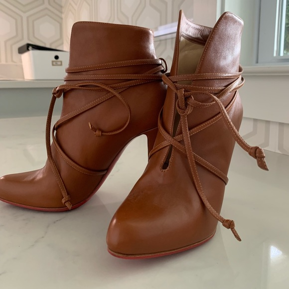 online store 3a46f b4959 Christian Louboutin Brown boots